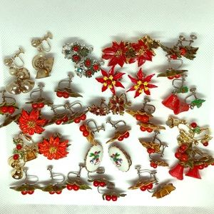 🎄 Vintage Lot Clip on earrings Christmas themed
